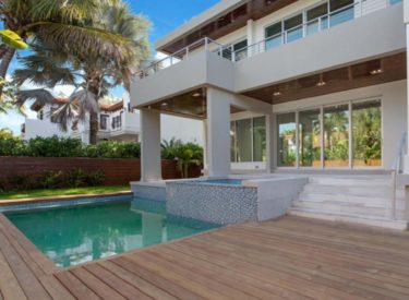 452 Glenridge Road Key Biscayne, FL