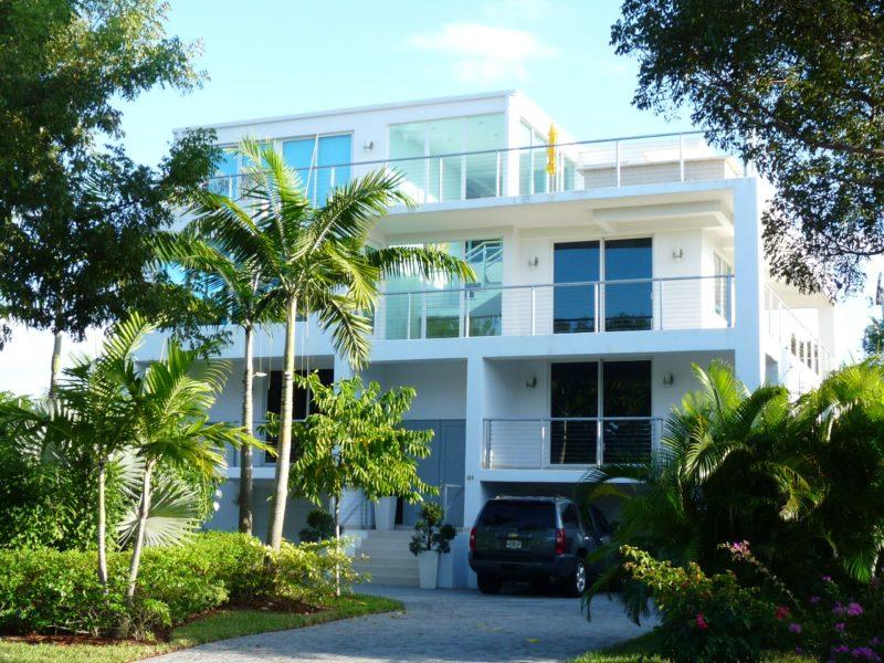 141 Harbor Dr. Key Biscayne, FL
